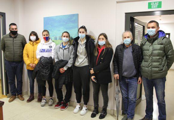 Košarkašice ŽKK Ragusa u Poliklinici Marin Med
